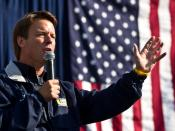 English: 2008 United States Presidential candidate John Edwards campaigning in Pittsburgh on Labor day in 2007, accepting the endorsement of the United Steelworkers and the United Mine Workers of America.