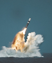 English: United States Trident II (D-5) missile underwater launch.