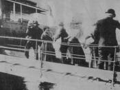Italians getting into a ship to Brazil, 1910.