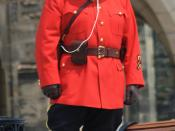 English: An officer of the Royal Canadian Mounted Police (a