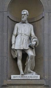Statue of Benvenuto Cellini, Piazzale degli Uffizi, Florence, Italy.