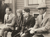 English: United Artists Corporation stockholders Douglas Fairbanks, Mary Pickford, Charlie Chaplin and D.W. Griffith in 1919. Français : les actionnaires de United Artists Corporation Douglas Fairbanks, Mary Pickford, Charlie Chaplin and D.W. Griffith en