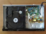 English: Sony DVD-player opened.