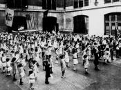English: The Bellamy salute is the salute described by Francis Bellamy (1855–1931) to accompany the American Pledge of Allegiance, which he had authored. During the period when it was used with the Pledge of Allegiance, it was sometimes known as the
