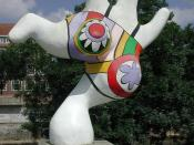 English: Nanas, 1974. Sculpture by Niki de Saint Phalle. Location: Leibnizufer, Hannover,Germany.