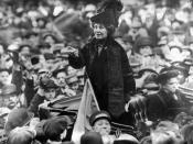 English: Emmeline Pankhurst addresses a crowd in New York City in 1913