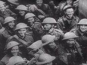 English: British troops happy to get rescued at Dunkirk (France, 1940). Screenhot taken from the 1943 United States Army propaganda film Divide and Conquer (Why We Fight #3) directed by Frank Capra and partially based on, news archives, animations, restag