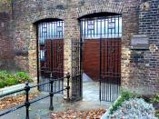 English: The remaining wall and gate arches of the Marshalsea debtors prison, Southwark, London SE1.