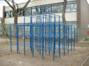 English: A jungle gym in a park in Montreal. Deutsch: Ein Klettergerüst in einem Park in Montreal
