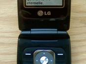 Français : Un LG Madison sur le réseau de TELUS Mobilité avec l'application Go Bible et le verset Jean 3:16 à l'affiche.