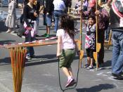 English: Girl playing jump rope