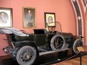 English: 1911 Gräf & Stift open car in which Archduke Ferdinand was killed by Gavrilo Princip, triggering World War I. Picture taken at the Military History Museum in Vienna, Austria.