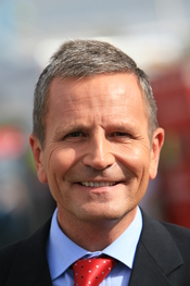 English: Peter Levy, British television and radio presenter, and host of the BBC regional news programme Look North. Photograph taken in Skegness, Lincolnshire, United Kingdom.
