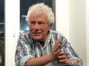 English: British writer John Berger Français : Conversation avec John Berger dans une librairie de Strasbourg