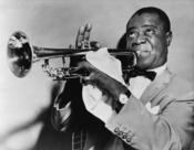 English: Louis Armstrong, jazz trumpeter Français : Le trompetiste et chanteur de jazz Louis Armstrong. Türkçe: 20. yüzyılın en önemli müzisyenlerinden Louis Armstrong trompet çalarken (1953).
