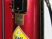 English: Vintage Signal Ethyl Gasoline pump (detail). Private collection. Signal Oil and Gas was founded in California in 1922 and eventually became AlliedSignal, later, Honeywell.