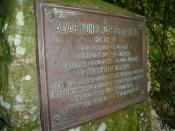 A plaque commemorating Cabeza de Vaca as the first European to see the Iguazu Falls.