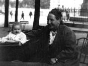 English: Image of Gertrude Stein and Jack Hemingway in Paris, 1924.