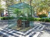 """Das """"Adorno-Denkmal"""" auf dem """"Theodor-W.-Adorno-Platz"""" nur eine Parallelstraße (westlich) vom Institut für Sozialforschung entfernt."""