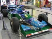 Deutsch: Benetton B194 Saison 1994 Ford V 8 Motor ca. 730 PS Leistung 350 km/h Topspeed 650kg (inkl. Fahrer) gefahren von Michael Schumacher