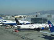 English: United B777-222ER in SFO