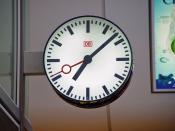 English: A typical Deutsche Bahn railway station clock