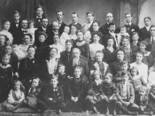 Turn of the century photograph of the entire family of Joseph F. Smith, a known polygamist. This picture depicts members of his family, including his sons and daughters, as well as their spouses and children.