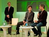 English: Left to right, Eric E. Schmidt, Sergey Brin and Larry Page of Google Polski: Od lewej do prawej: Eric E. Schmidt, Sergey Brin i Larry Page z firmy Google