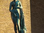 The bronze sculpture Den knidiska Afrodite (Aphrodite from Knidos), a copy of an old Praxiteles sculpture, placed at Götaplatsen in Göteborg, Sweden.