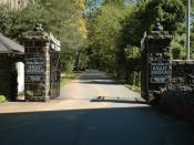 English: Entrance to Hagley Museum along the banks of the Brandywine Creek. The museum documents the early industrialization of the United States and the origins of the DuPont Company.