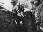 English: Mustafa Kemal (Atatürk) at the trenches of Gallipoli during the First World War.
