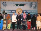 English: Islamabad, October 28, 2009-- U.S. Secretary of State Hillary R. Clinton, President of Pakistan Asif Ali Zardari, and chairperson of Benazir Income Support Program Farzana Raja with the monthly lottery winner female recipients of the program at t