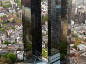 English: Deutsche Bank Towers in Frankfurt am Main, Germany Slovenčina: Mrakodrapy (na obrázku dva mrakodrapy Deutsche Bank AG), utvárajú obraz mesta