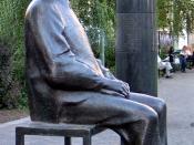 A statue of Bertolt Brecht