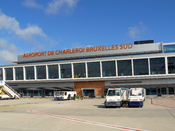 English: Brussels South Charleroi Airport Español: Aeropuerto de Bruselas Sur