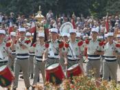 Musique de la Légion étrangère défilant lors de la cérémonie commémorative du combat de Camerone à Aubagne, le 30 avril 2007 (France)