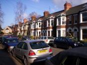 English: Eltisley Avenue. A typical street in the residential area of Newnham Croft in south-west Cambridge. The poets Ted Hughes and Sylvia Plath lived on this street when they were first married, and it inspired a poem by Hughes,