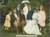 Colorized image of US President Theodore Roosevelt and family from 1903 postcard. Español: La familia Roosevelt Français : La famille Roosevelt Polski: Theodore Roosevelt z rodziną w 1903 roku