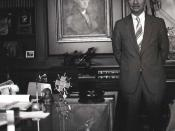 English: portrait of Ross Perot in his Dallas office.