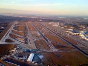 English: Seattle-Tacoma International Airport (Sea-Tac, KSEA, SEA) viewed from 1,500', looking north.