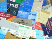 English: Different customer loyality cards (airlines, car rental companies, hotels etc.) Deutsch: Verschiedene Loyalitätskarten/Kundenkarten/Mitgliedskarten von Kundenbindungsprogrammen (Fluggesellschaften, Hotels, Autovermietungen usw.)