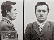 English: Mug shot of the revolutionary socialist Benito Mussolini, later Italian Fascist leader Benito Mussolini, following his arrest by Swiss police for lack of identification papers. Italiano: Foto segnaletica del rivoluzionario socialista Benito Musso