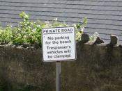 English: One trespasser only ... who presumably speaks only English, so no need for a dual-language sign!
