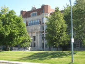 English: Hibbing High School in Hibbing, Minnesota, listed on the National Register of Historic Places.