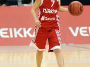 English: Turkish basketball player Nilay Yiğit in the game against Finland.