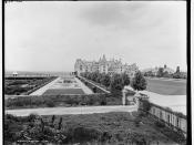 English: Black-and-white photograph of the Biltmore House, Asheville, North Carolina, from a photograph by William Henry Jackson (1843–1942) for the Detroit Publishing Company. Glass negative. Photo used for postcard purposes. The Library of Congres