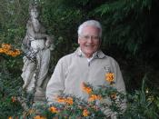 English: A 2005 photograph of James Lovelock, scientist and author best known for the Gaia hypothesis. Photograph taken by Bruno Comby of Association of Environmentalists For Nuclear Energy. Original at http://www.ecolo.org/lovelock/. Released under the C
