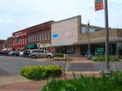 English: East Laurel Street in downtown Scottsboro, Alabama.