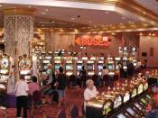 English: Slot machines in the Trump Taj Mahal Taken by Raul654 on August 24, 2004. Released under the GFDL