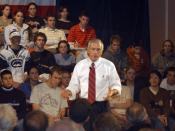 Clark speaking to a group of college students during the 2004 campaign